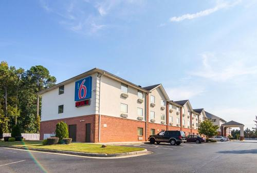 Motel 6 Jonesboro Georgia Photo