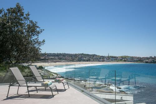 Tamarama Cliffs - A Bondi Beach Holiday Home