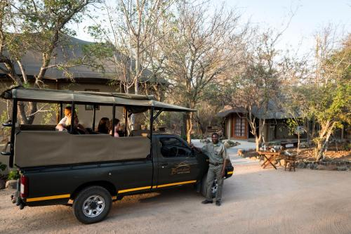 Bundox Safari Lodge Photo
