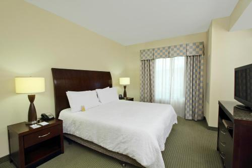 Hilton Garden Inn Beaumont Photo