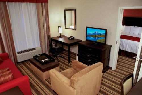 Homewood Suites Beaumont Photo