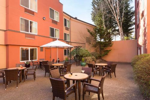 DoubleTree by Hilton Portland Tigard Photo