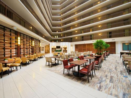 Embassy Suites by Hilton Portland Washington Square Photo