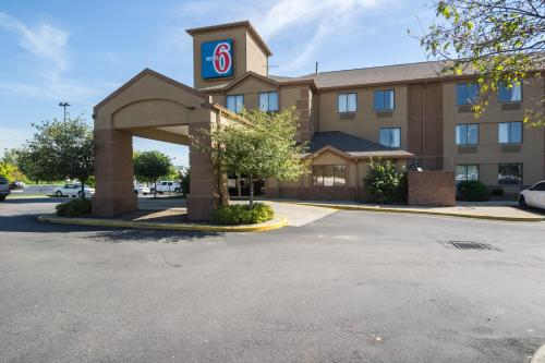 Motel 6 Indianapolis - Airport photo 7