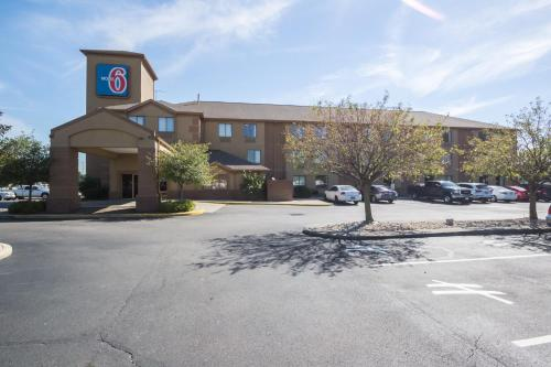 Motel 6 Indianapolis - Airport photo 8