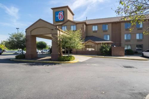 Motel 6 Indianapolis - Airport photo 17