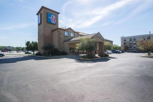 Motel 6 Indianapolis - Airport photo 19