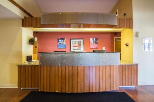Motel 6 Indianapolis - Airport photo 24