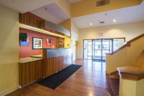Motel 6 Indianapolis - Airport photo 25
