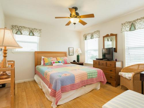 Seashore Hideaway in Galveston Home - Galveston, TX 77554