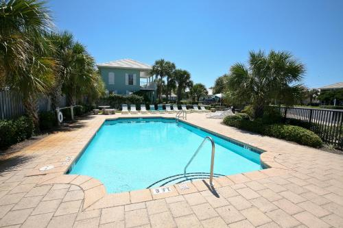Emerald Shores By Wyndham Vacation Rentals photo