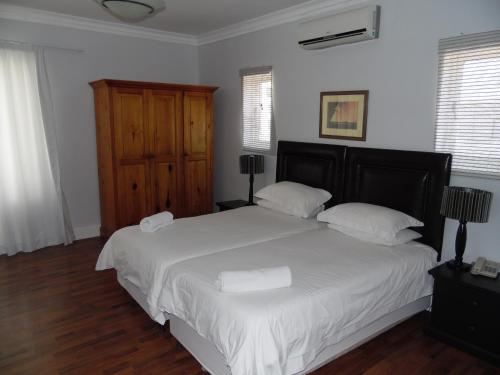 Albatross Guest House Photo