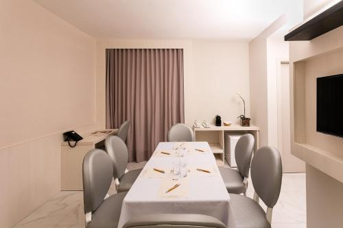 BEST WESTERN Plus Copacabana Design Hotel Photo
