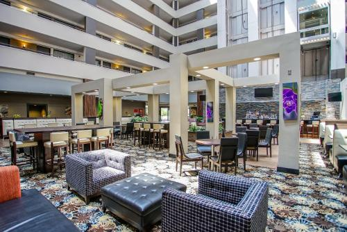 Embassy Suites Detroit - Southfield Photo