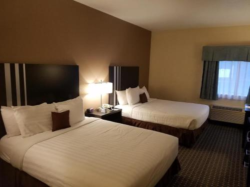 The Armada Inn & Suites Glendale Heights Photo