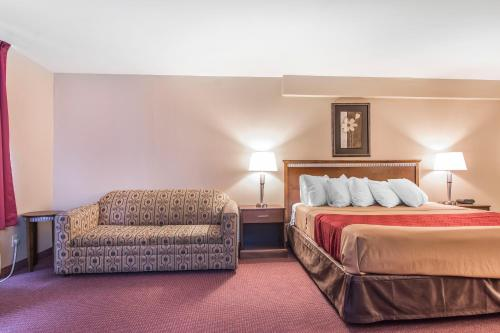 Econo Lodge Orillia Photo