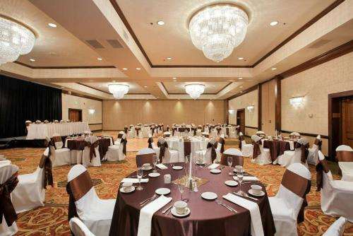 DoubleTree by Hilton Cleveland South Photo