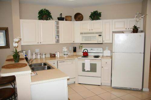 Perfect Drive Vacation Rentals - Port Saint Lucie, FL 34986