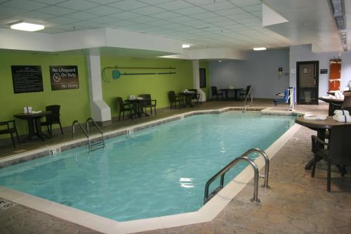 Hampton Inn Elizabethtown Photo