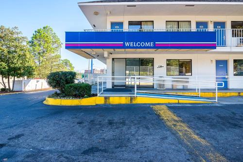 Motel 6 Birmingham - Bessemer Photo