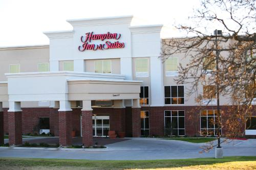 Hampton Inn and Suites Stephenville Photo