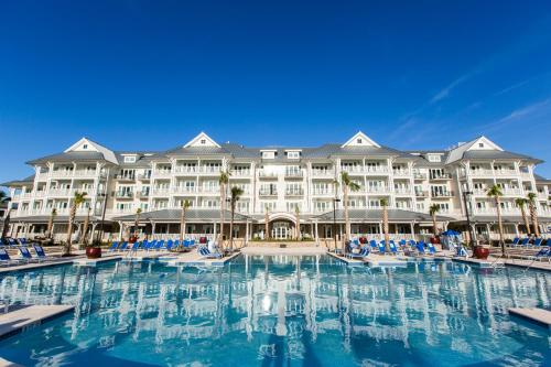 The Beach Club at Charleston Harbor Resort and Marina