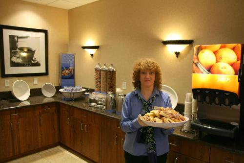 Hampton Inn & Suites College Station Photo