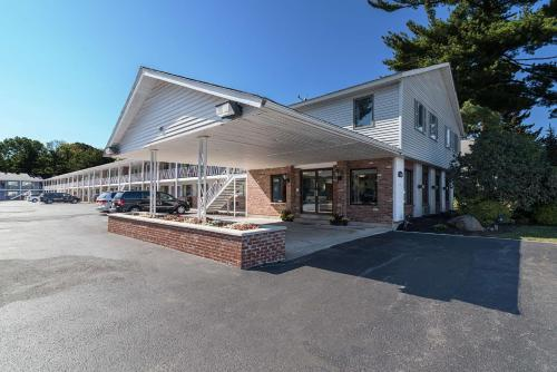 Motel 6 Albany Airport Photo