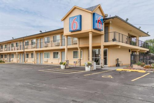 Motel 6 Oshkosh Photo