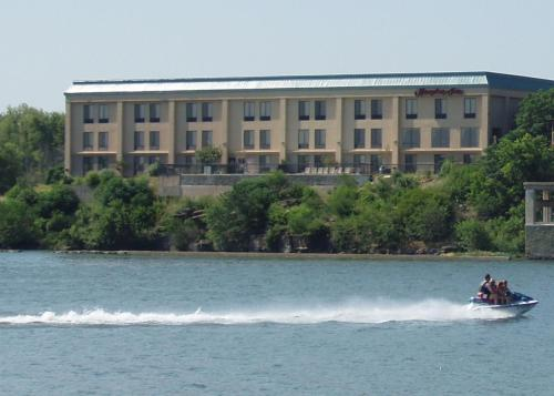 Hampton Inn Marble Falls Photo