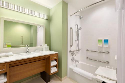 Home2 Suites by Hilton Houston Willowbrook Photo