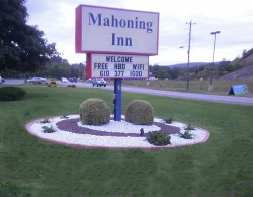 Mahoning Inn Photo