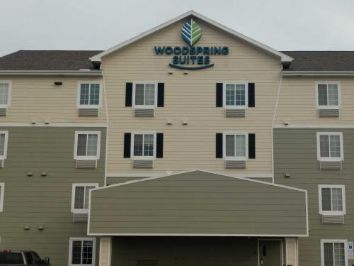 WoodSpring Suites Williston Photo