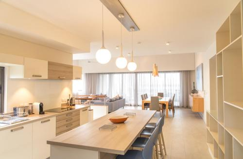 Carlos Bay Luxury Penthouse by Dream Escapes, Tamarin