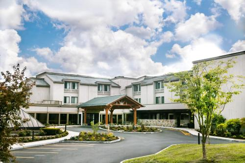Heritage Hotel and Conference Center BW Premier Collection - Southbury, CT 06488