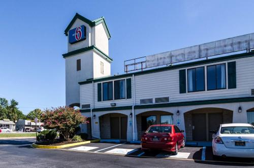 MOTEL 6 Newark Photo