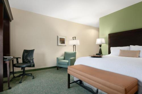 Hampton Inn Vernon Photo