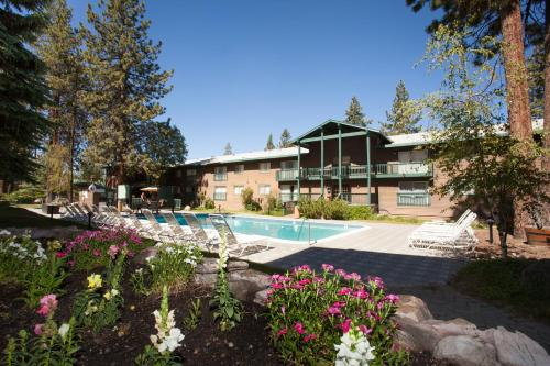 Forest Suites Resort at the Heavenly Village Photo