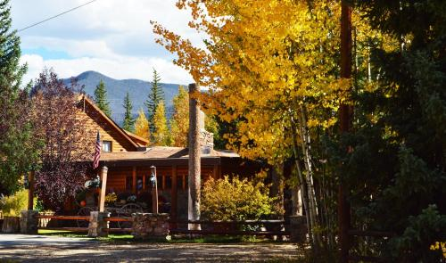 Daven Haven Lodge & Cabins Photo