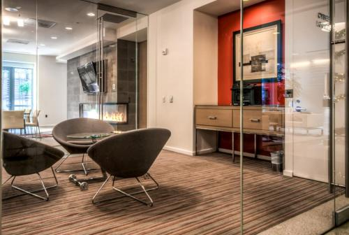 Global Luxury Suites at Georgetown Photo