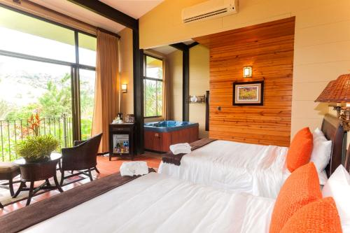 Hotel Arenal Kioro Suites & Spa Photo