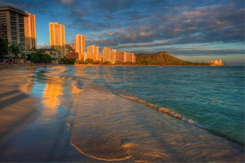 Waikiki Sunset Suite 2001 Photo