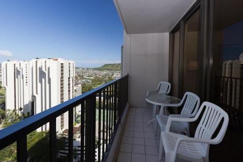 Waikiki Banyan Tower 2 Suite 2405 Photo