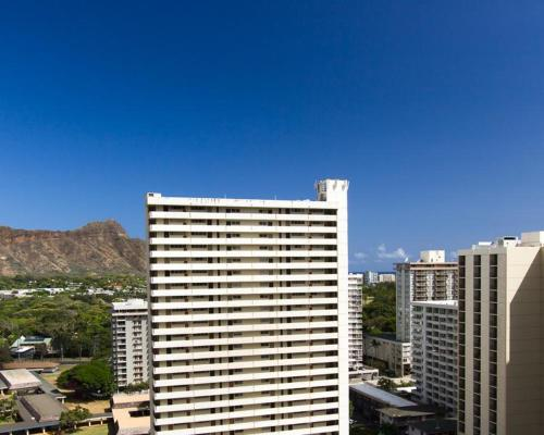 Waikiki Banyan Tower 1 Suite 2101 Photo