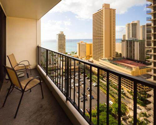 Waikiki Banyan Tower 1 Suite 2310 Photo
