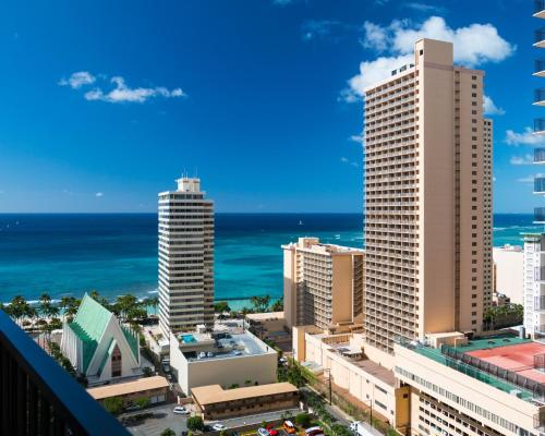 Waikiki Banyan Tower 1 Suite 2508 Photo
