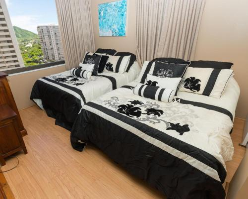 Tower 1 Suite 1413 at Waikiki - Honolulu, HI 96815