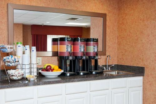 Hampton Inn & Suites Cleveland-Southeast-Streetsboro Photo