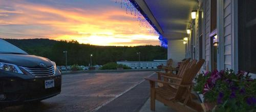 Mount Blue Motel - Farmington, ME 04938