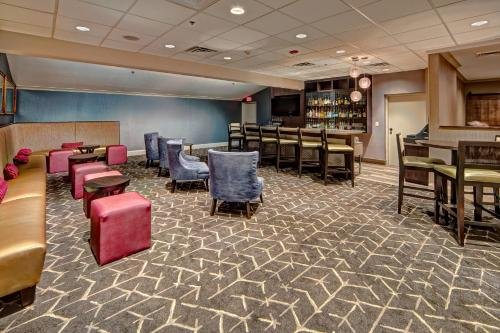 DoubleTree by Hilton Decatur Riverfront Photo
